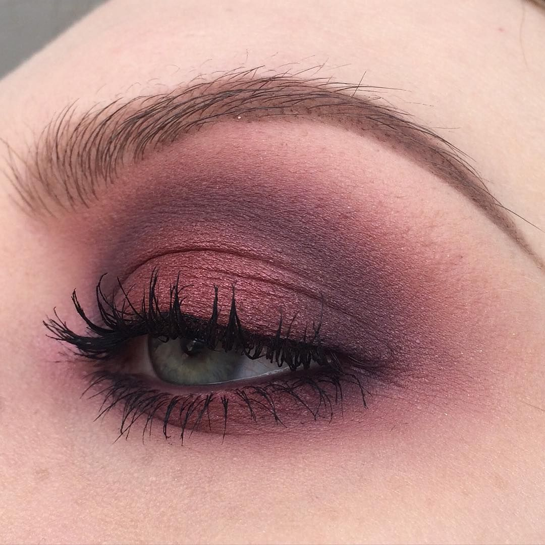 """products used: #maccosmetics - eyeshadows in cranberry, kid, haux, indian ink & pigment in pink opal, #makeuprevolution - iconic pro 2 palette,…"""""""