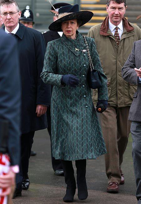 Pin En Sombreros Princesa Ana De Inglaterra