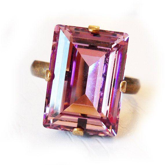 Light Amethyst Swarovski Ring Rectangle Emerald von DicopeJewelry