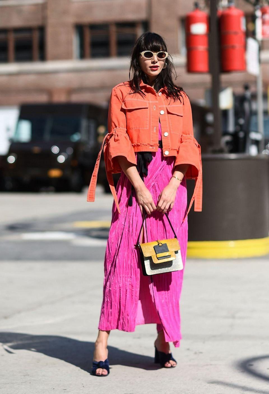 9ae3e6f9f2003c orange Jeansjacke gelbe Handtasche #wickelkleid #kombinieren #modetrends  #sommer #damen #wrapdress