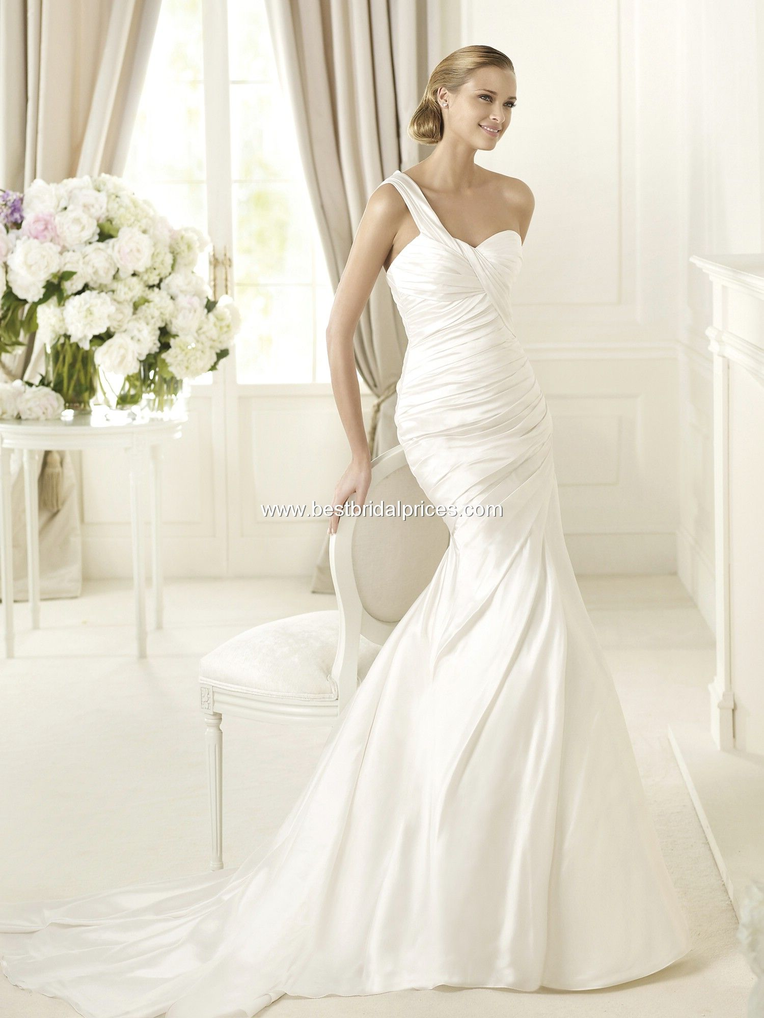 Pronovias wedding dresses style dakota description spring
