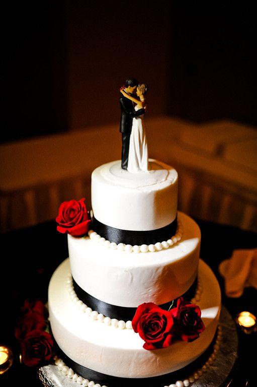 Pretty And Simple Black White Red Wedding Cake Love The Dancing Bride Groom Topper Cute Idea