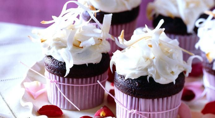 5 Delicious #recipes for #gourmet #cupcakes - They're so good you many not want to share - http://finedininglovers.com/blog/food-drinks/gourmet-cupcakes/