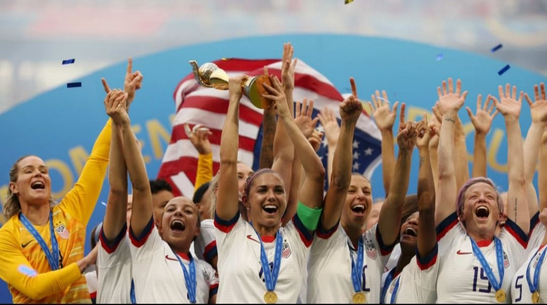Pin By Maria Fernanda On Uswnt Fifa Women S World Cup Uswnt Girls Soccer Team