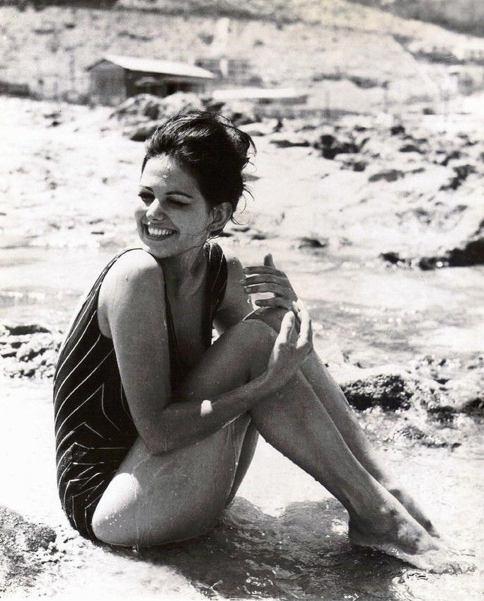 Patterson Maker Claudia cardinale, Italian beauty, Actresses