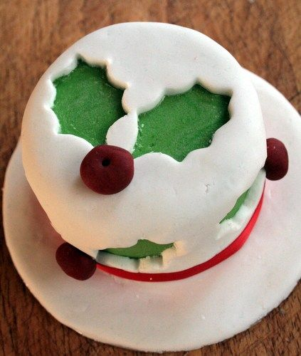 How To Decorate Your Baked Bean Tin Christmas Cake Butcher Baker Baby Christmas Cake Christmas Cake Designs Xmas Cake