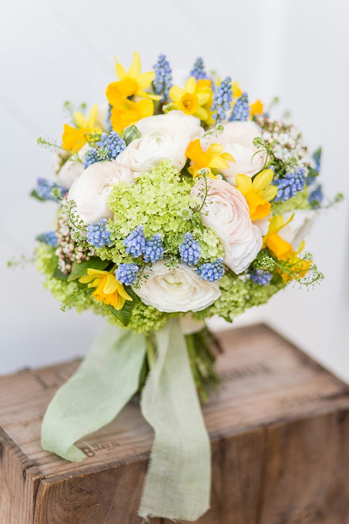 Blume Des Monats April Die Ranunkel Tulpen Hochzeit Hochzeit Strauss Brautstrauss
