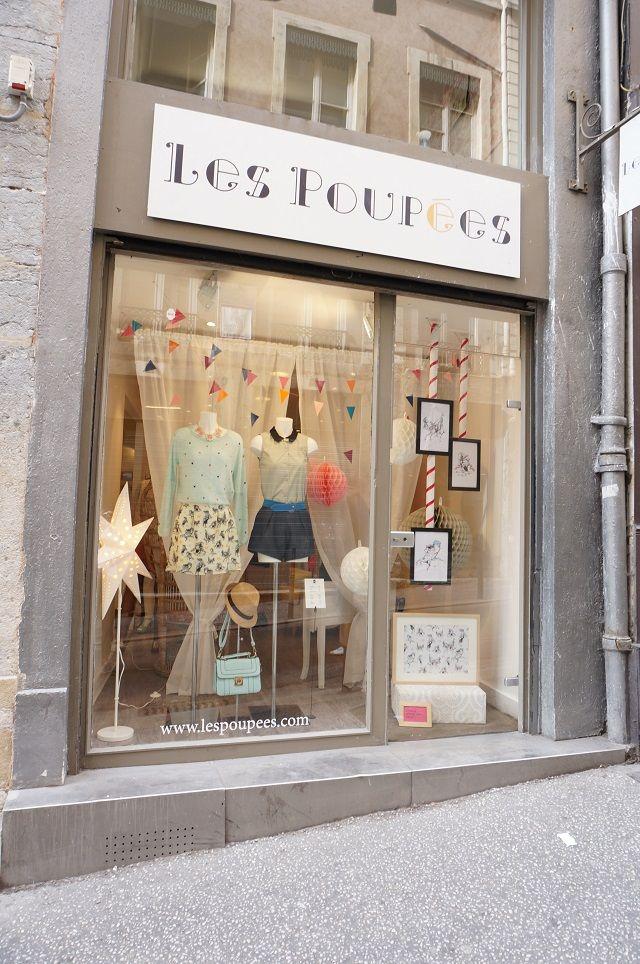 Nous Deux Bonnes Adresses A Lyon Mes 5 Photos Instagram Preferees Avec Polagram With A Love Like That Blog Lifestyle Love Magasin Vetement Magasin Deco Vitrine De Magasin De Vetements