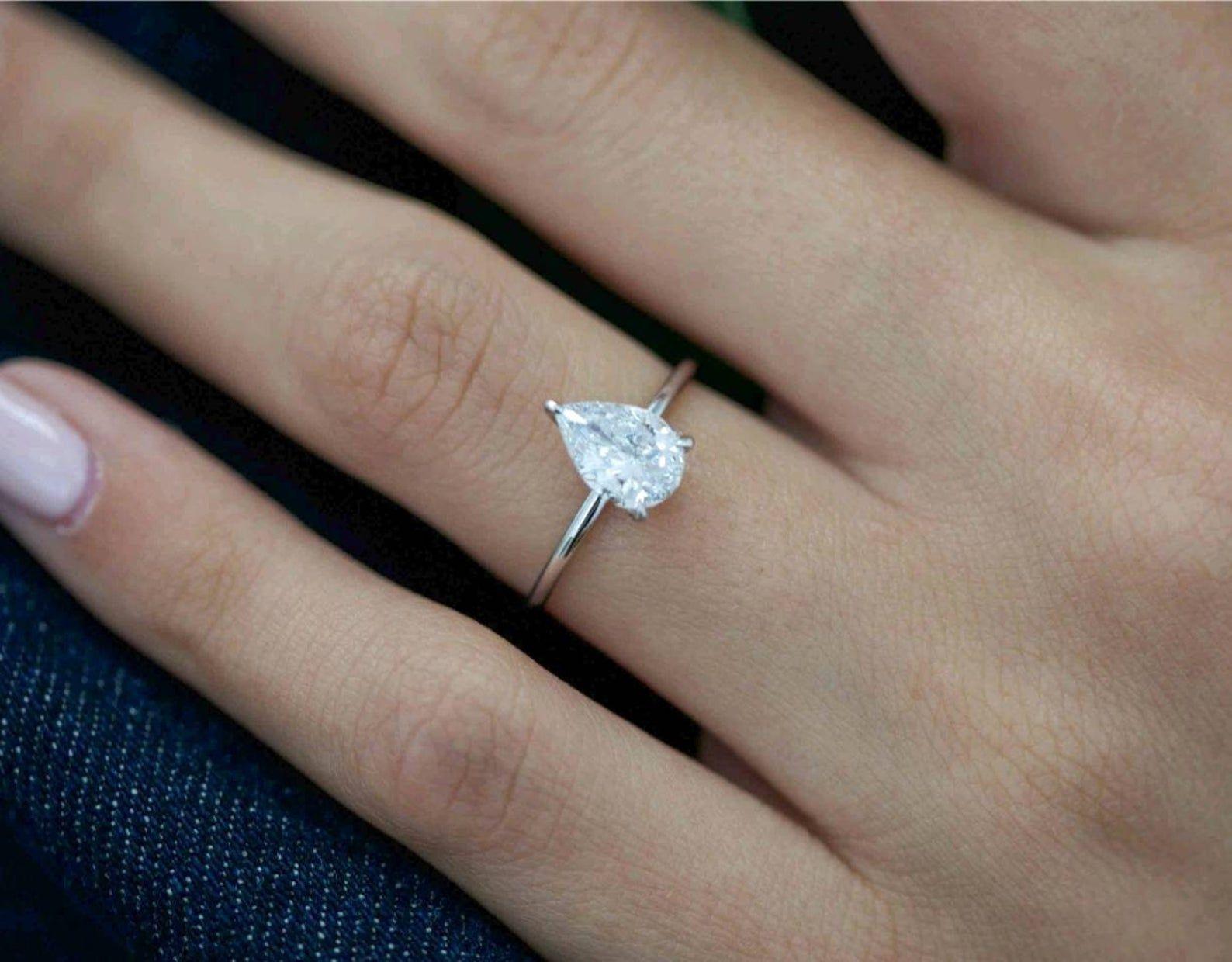 1 Carat Diamond Engagement Ring 14k White Gold Diamond Ring Etsy In 2020 Aquamarine Engagement Ring Diamond Engagement Ring Set Unique Diamond Rings