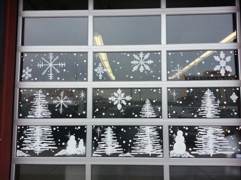 Winter Wonderland Window Painting A Salon 7 In Reno By Jannal Christmas Window Painting Christmas Window Decorations Christmas Window Display