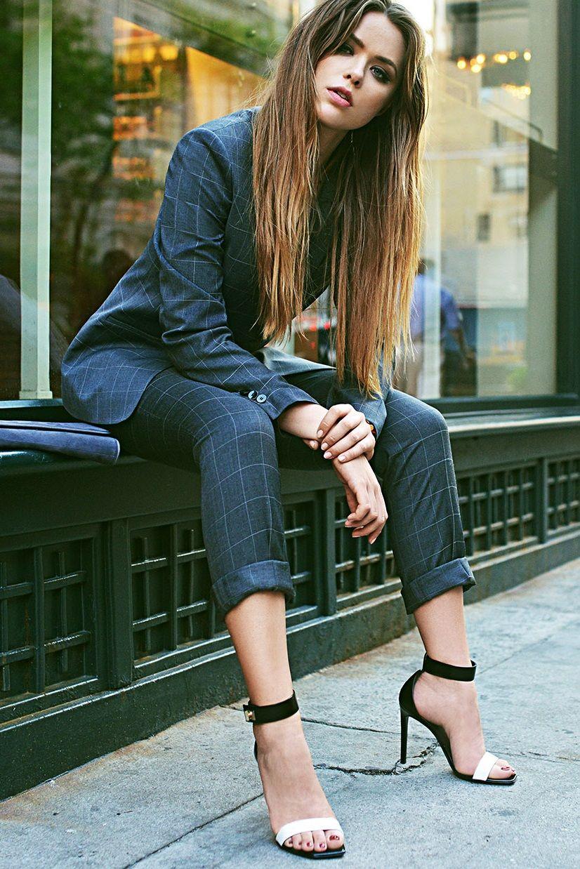 preludetoreality hugo boss suit kristina bazan. Black Bedroom Furniture Sets. Home Design Ideas