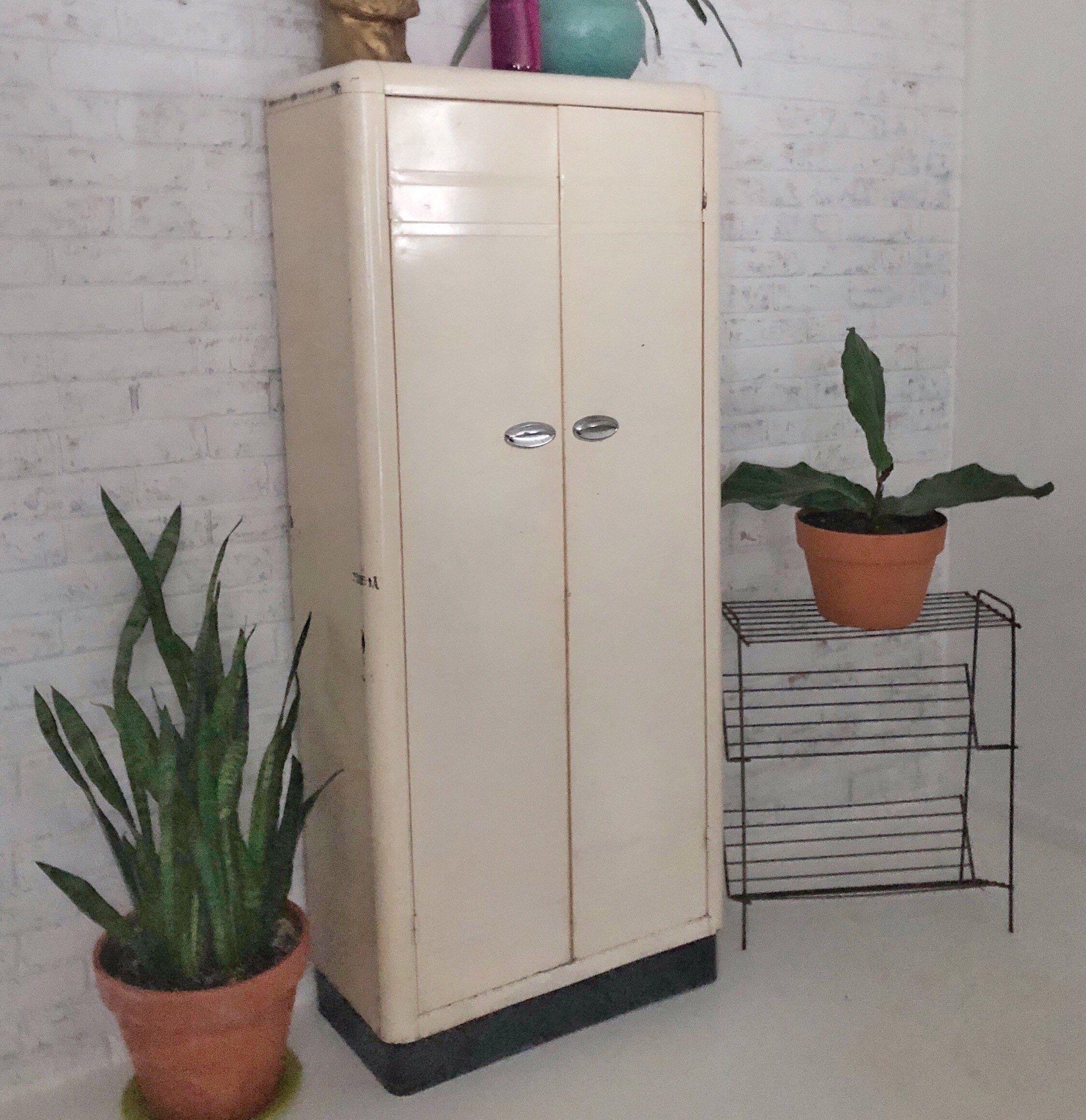 1940 S Art Deco Metal Cabinet 5 Shelves Industrial Storage Cream Color Black Base In 2020 Vintage Metal Cabinet Metal Cabinet Industrial Storage