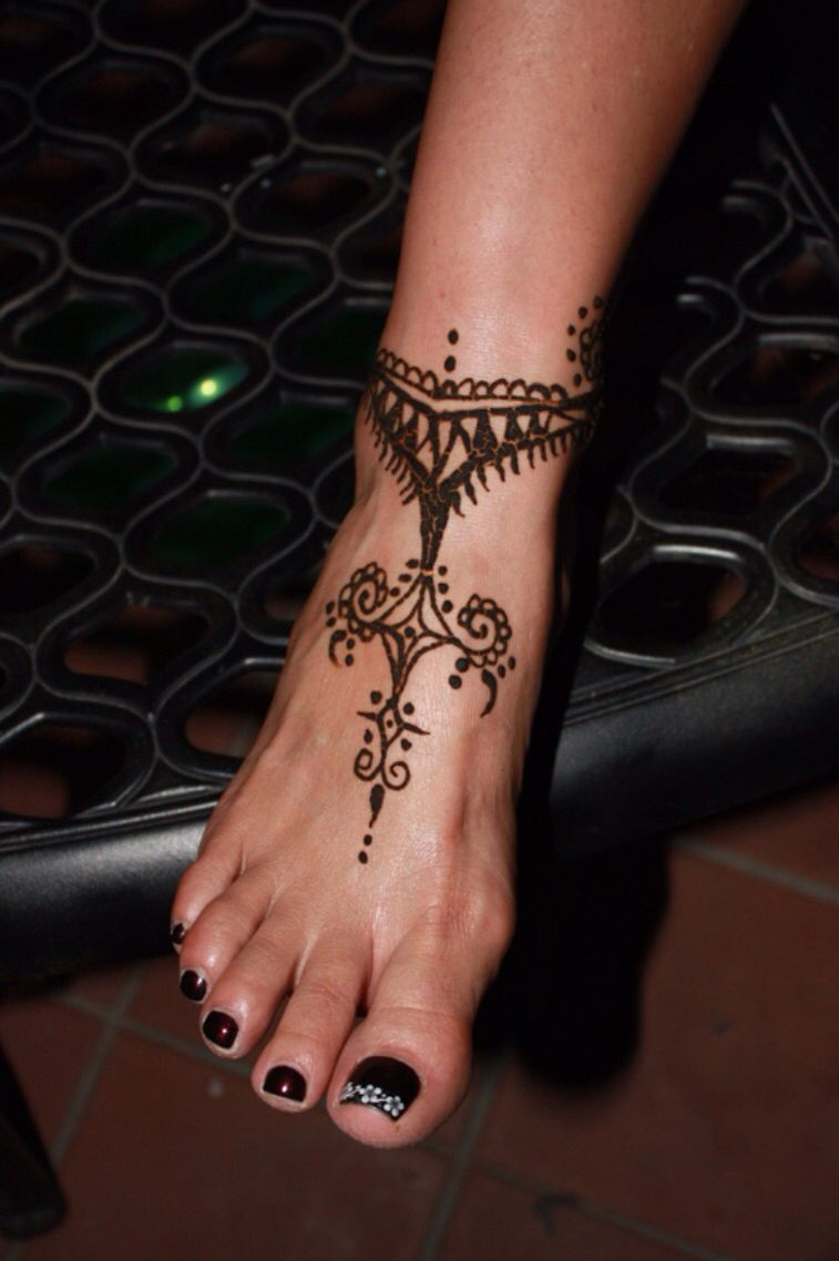 Ankle to foot henna design