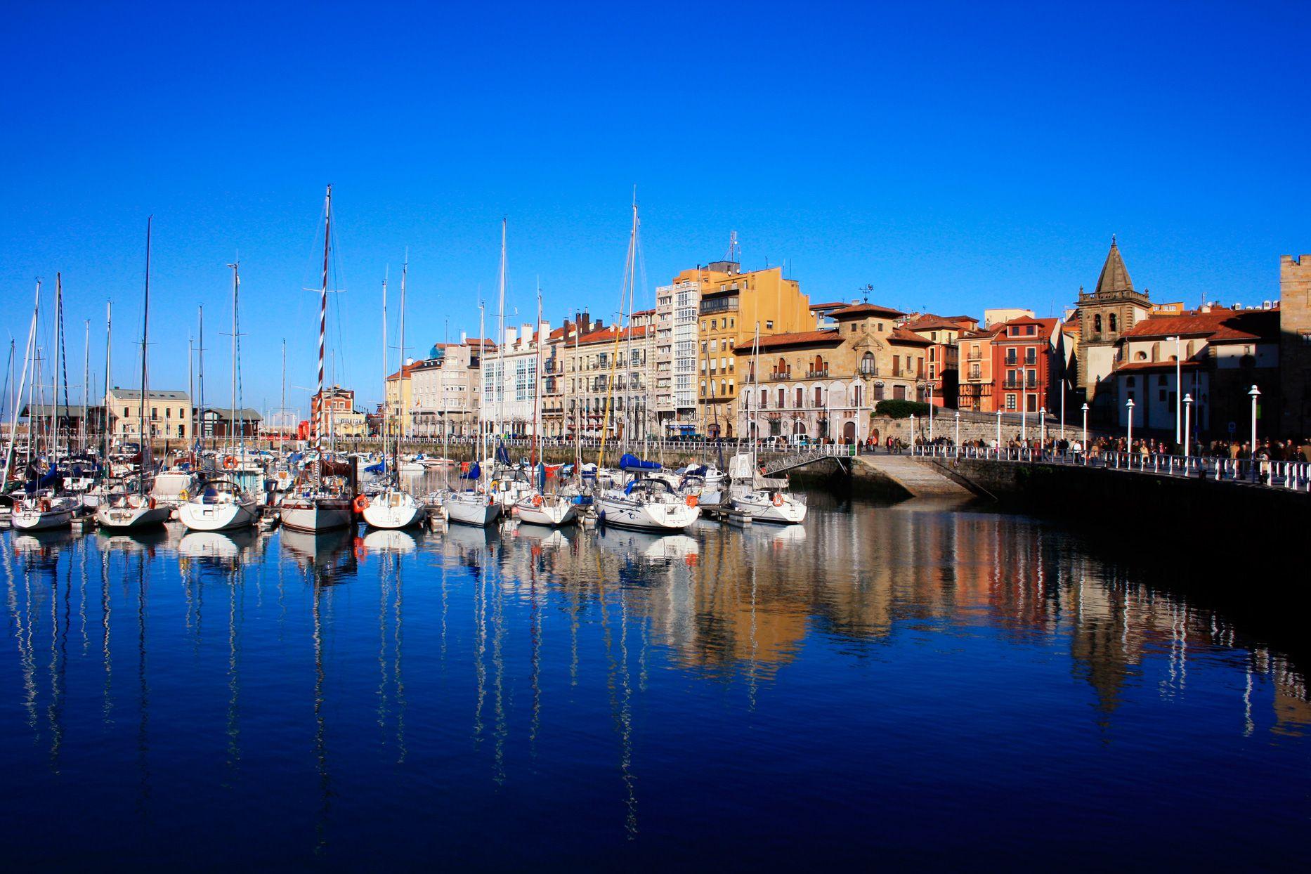 Puerto deportivo gijon asturias ciudades espa olas - Puerto deportivo gijon ...