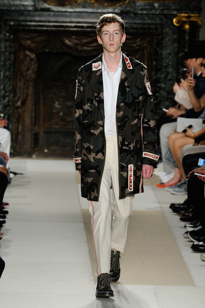 Paris Men Fashion Week 2016: Valentino