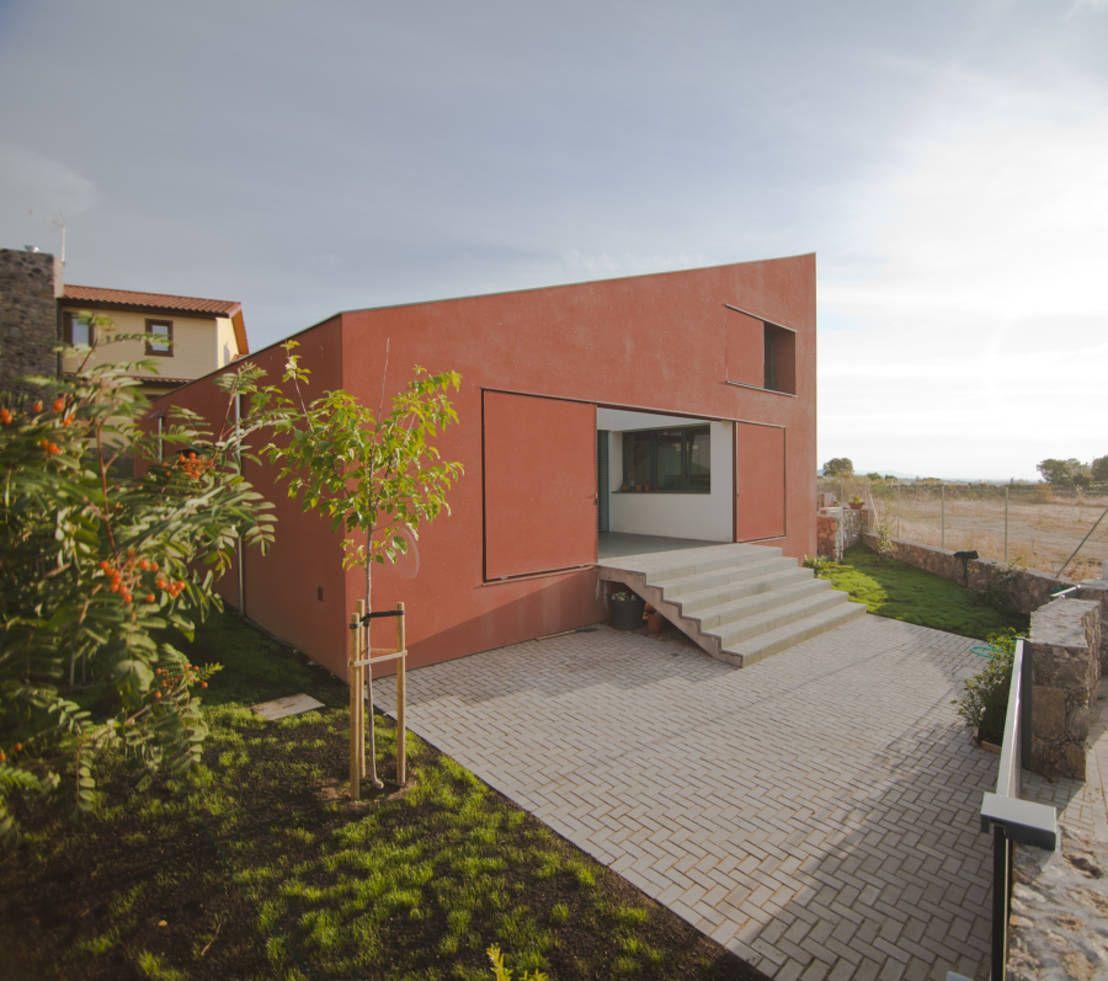 Tolles Haus: außen schlicht - innen modern | Architects