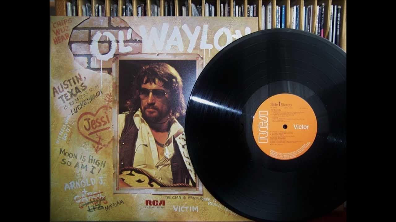 Waylon Jennings ~ Till I Gain Control Again (live, 1977)