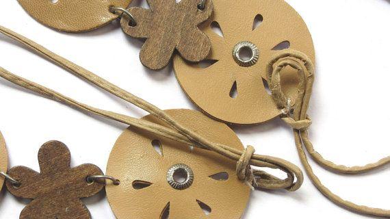 Brown belt. Women's belt. Flower belt. Girls belt. Beaded belt. Boho belt. Hippie belt. Faux leather belt with brown wood flowers. Vintage.