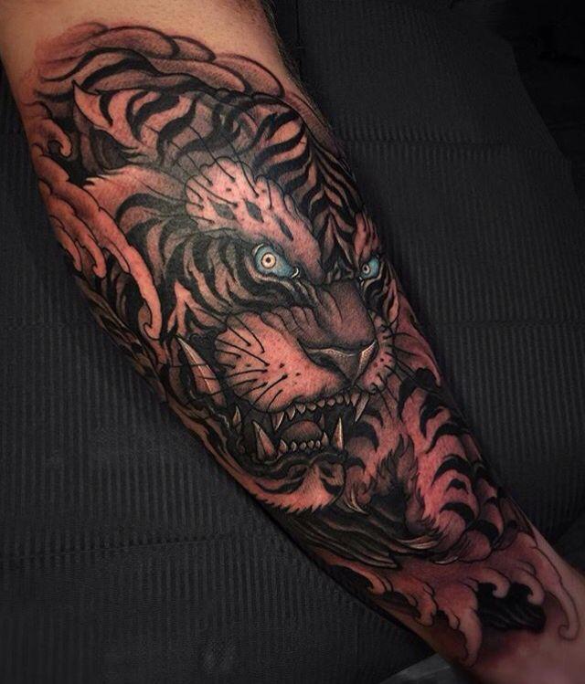 Tiger Tattoo With Blue Eyes Mens Tiger Tattoo Tiger Forearm Tattoo Tiger Tattoo
