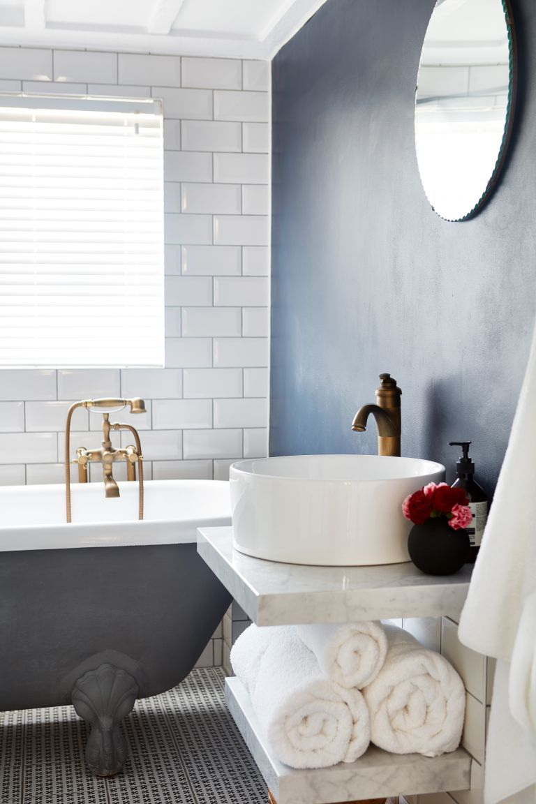 13 Suggestions What Color To Paint A Small Bathroom With No Windows Should Be Designideasforbathroomswithoutwindows Small Bathroom Small Bathroom Colors Small Bathroom Paint