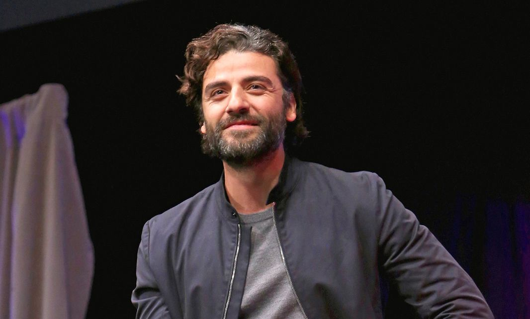 Oscar Isaac Is Shipping Finn & Poe Even Harder Than You Are