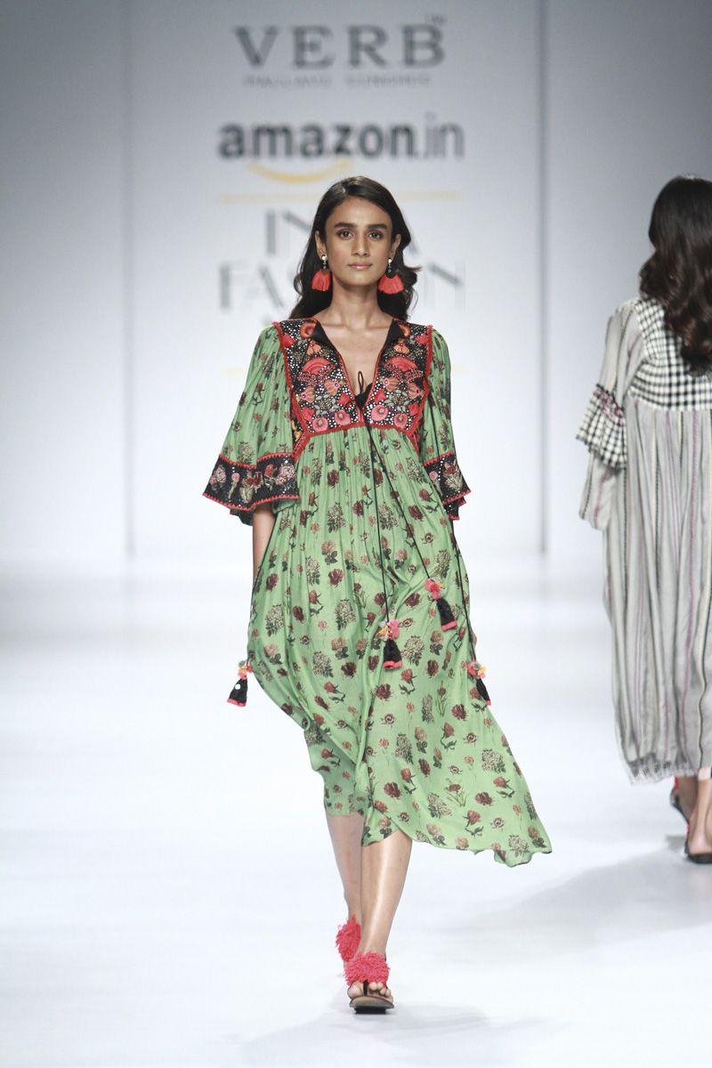 347b9404c7f4 ... INDIA   Fashion by Latinaexplorer. aifw-ss-2018-pallavi-singhee