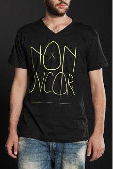 Camiseta Non Dvcor Clássica V -  http://cincocincozero.com/camisetas-nondvcor/camiseta-masculina-non-dvcor-non-10-0005-01