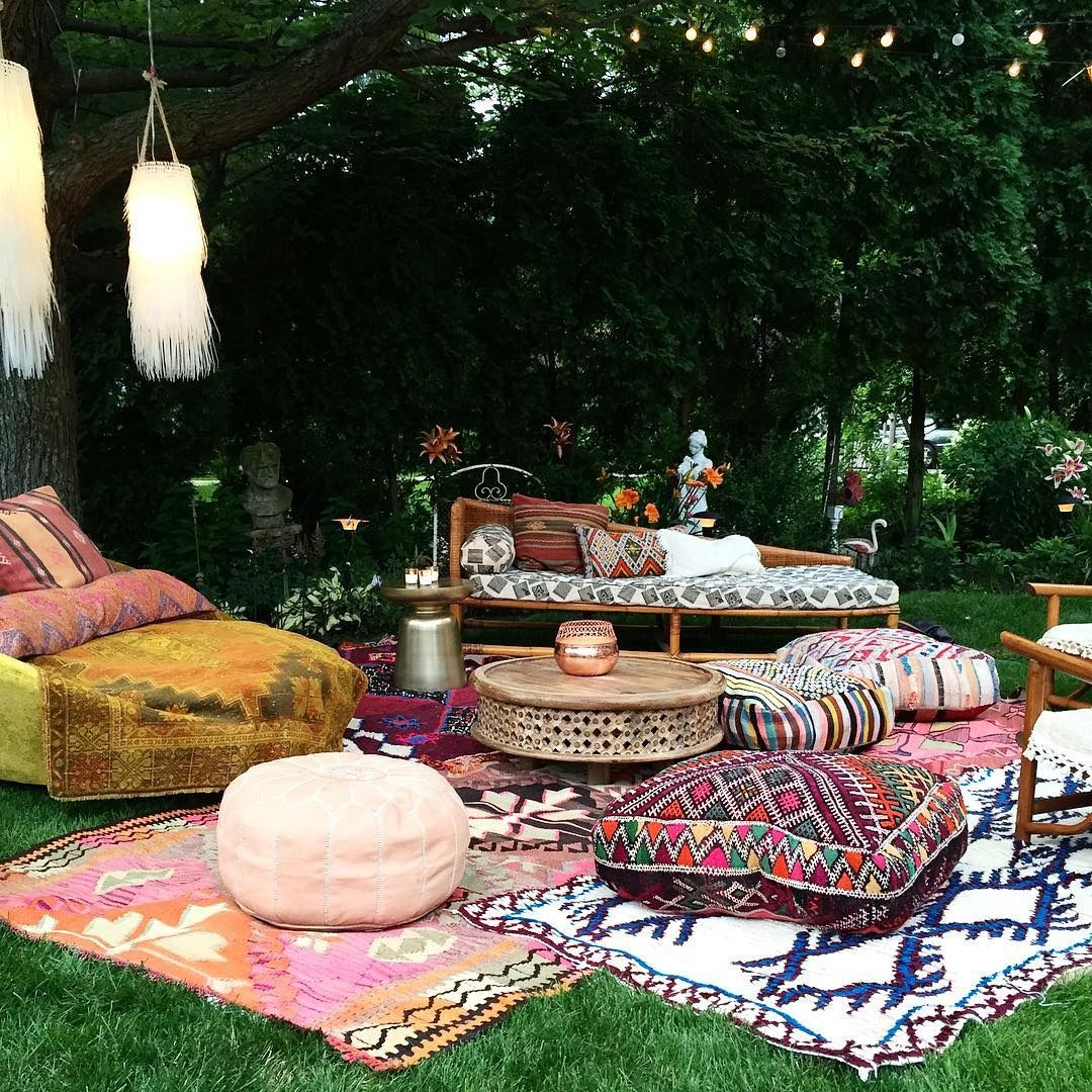 Love Outdoor Lounging? This New Boho Party Trend Is For