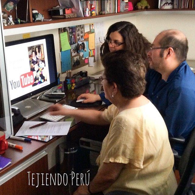 Preparándonos para contar la historia de Tejiendo Perú en un evento de Google en Lima, Perú! Revisamos fotos de estos primeros 5 años y nos emocionamos mucho... Solo nos queda agradecerles por ser parte de Tejiendo Perú!
