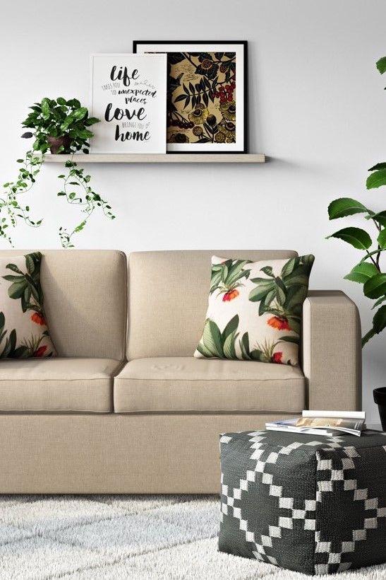 Wohnzimmer in neutralen Farbtönen mit tropischer Dekoration - wohnzimmer rot orange
