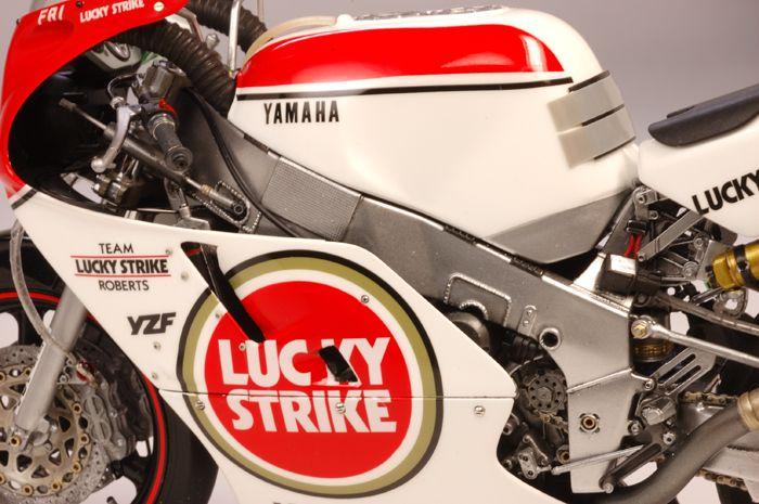 Yamaha YZF 750 8 Hours Suzuka 1987 Team Lucky Strike by Utage Factory House (Fujimi)