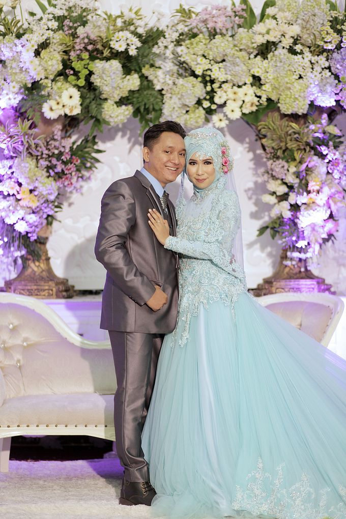 Tya Firman Wedding by LAKSMI - Kebaya Muslimah & Islamic Wedding ...