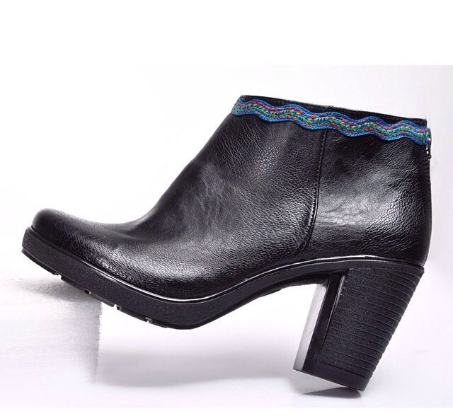Purplemint's amazing new black leather boots collection -- cairo