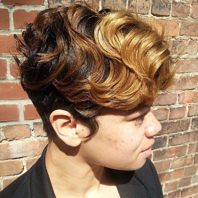 STYLIST FEATURE| Love this #pixiecut✂️ done by #BrooklynStylist @ohdiane_hairGorgeous color and chic cut #VoiceOfHair