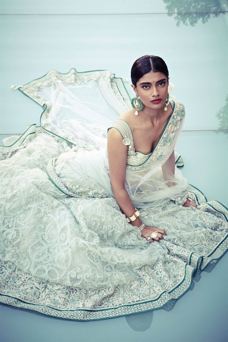 Tarun Tahiliani bridal collection. Shop for your wedding trousseau ...