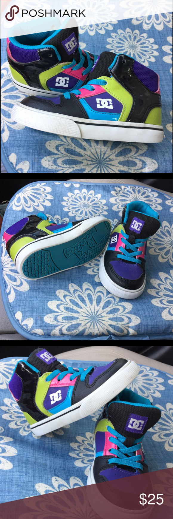 D.C. Shoe, size 7 toddler. Gorgeous DC shoe , excellent condition, colorful. DC Shoes Sneakers