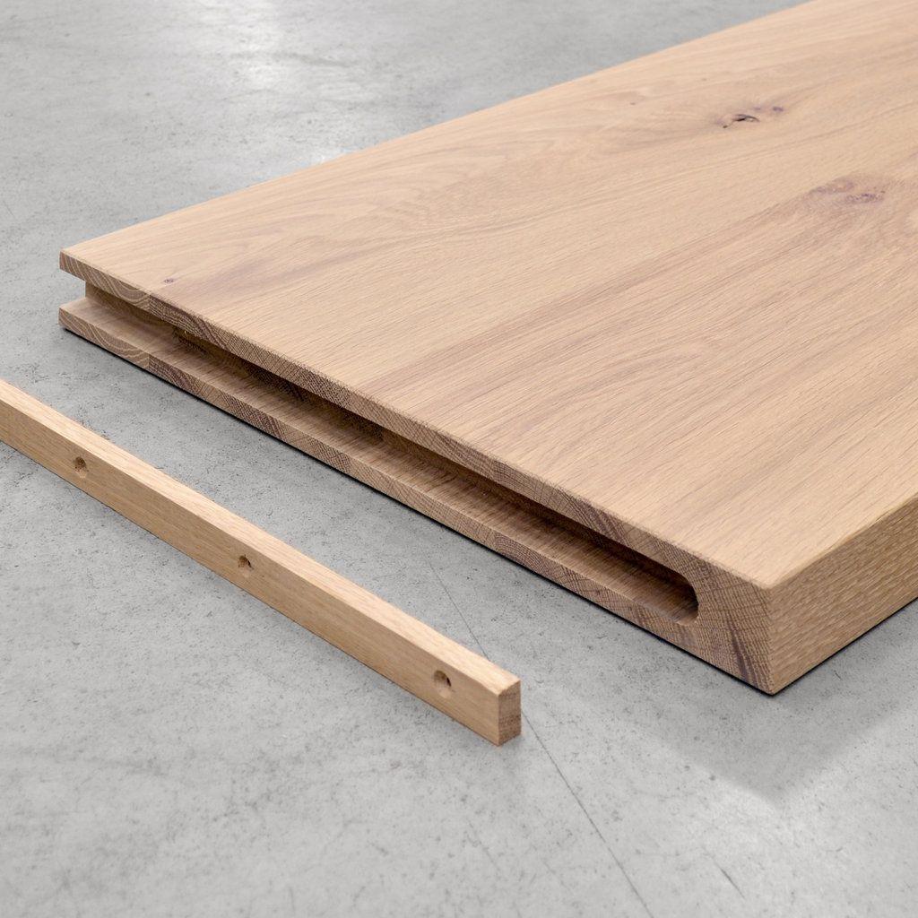 Plank Met Onzichtbare Bevestiging.Houten Wandplank Met Spot Verlichting Maatwerk Massief Hout