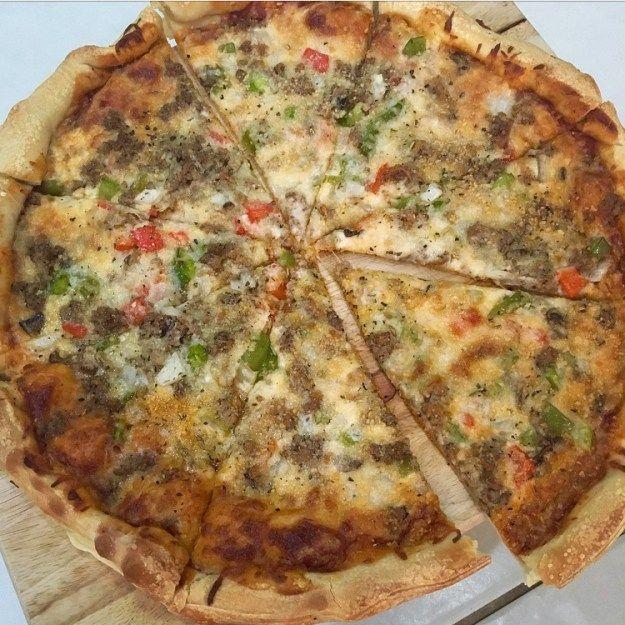 macro-friendly supreme pizza