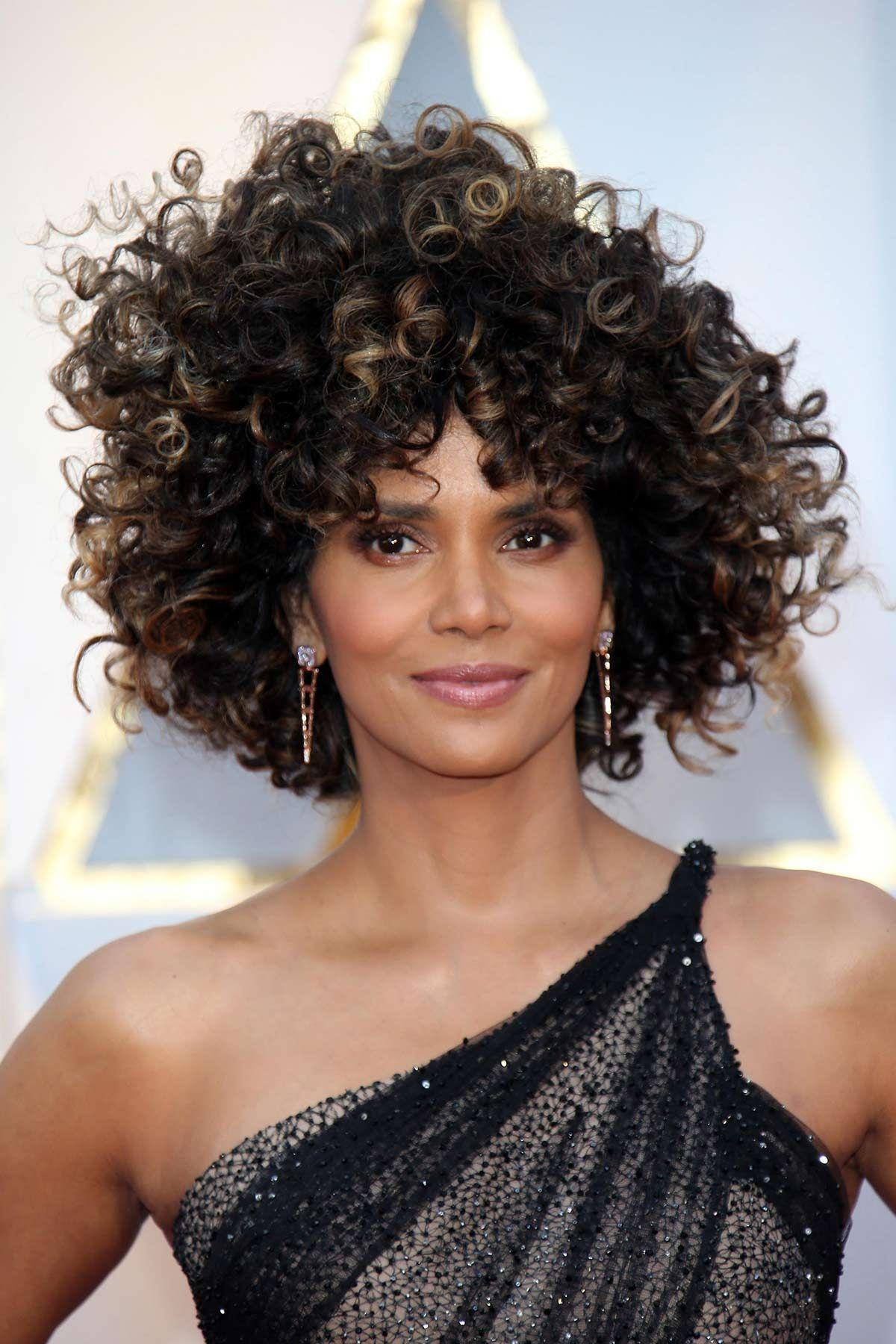 El afro de halle berry coupe courte pinterest curly hair