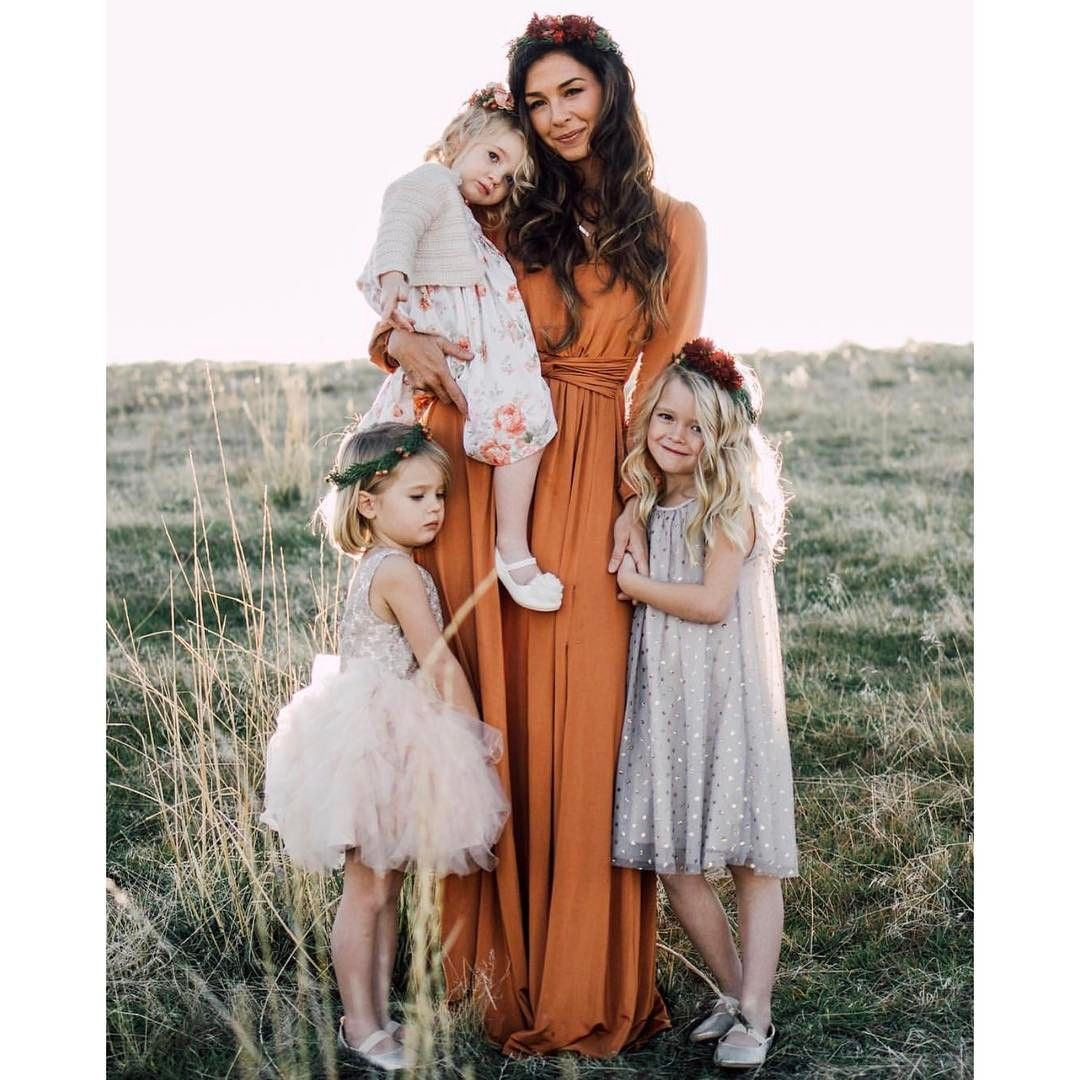 Kelly Jensen wearing a Made by Mary necklace. See more at www.madebymary.com. #familyphotooutfits