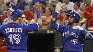 Encarnacion's clutch eighth-inning double leads Jays past Rangers