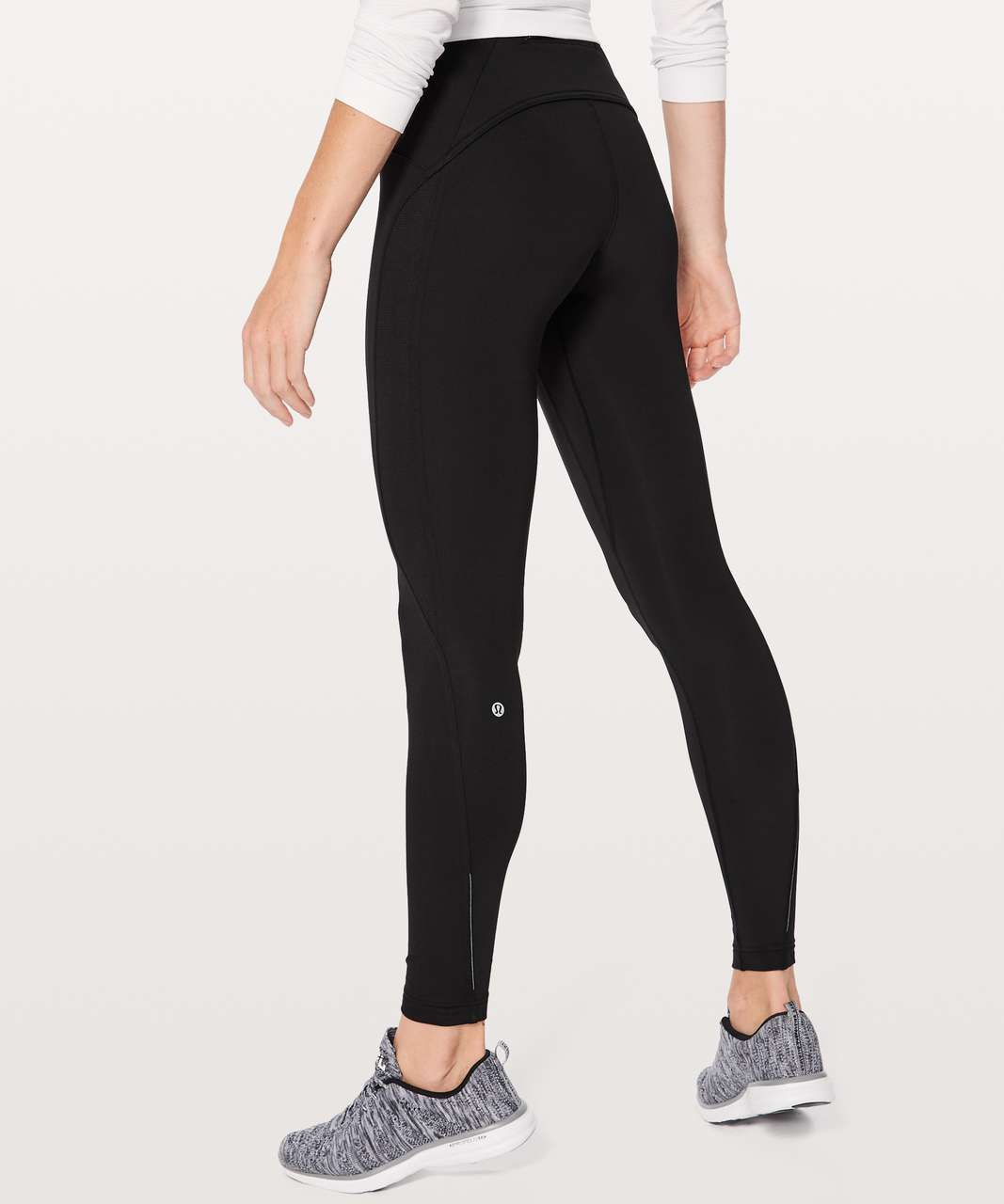 2431d2c2d06456 Color: black. With soft brushed Tech Fleece fabric, these high-rise run  tights will keep you cozy when you're dashing through snowy weather.