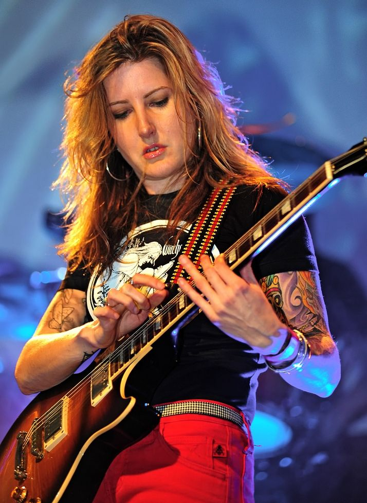 Female musicians by Best Guitar Guide on Female Guitarists