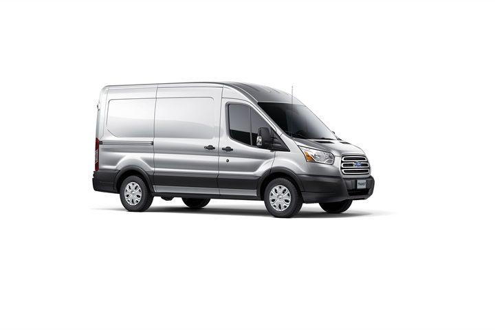 The Short Wheelbase Medium Roof Version Of The Transit Automotive Fleet Magazine Www Automotive Fleet Com Fleet Ford Transit Ford Van