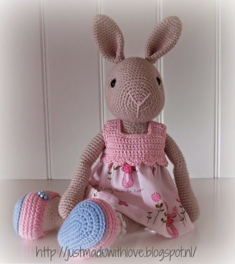 This Pin was discovered by Kat | Muñecas Amigurumis | Pinterest ...