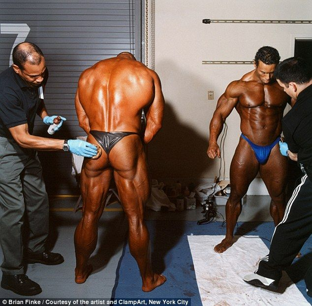 muscle Oiled men up