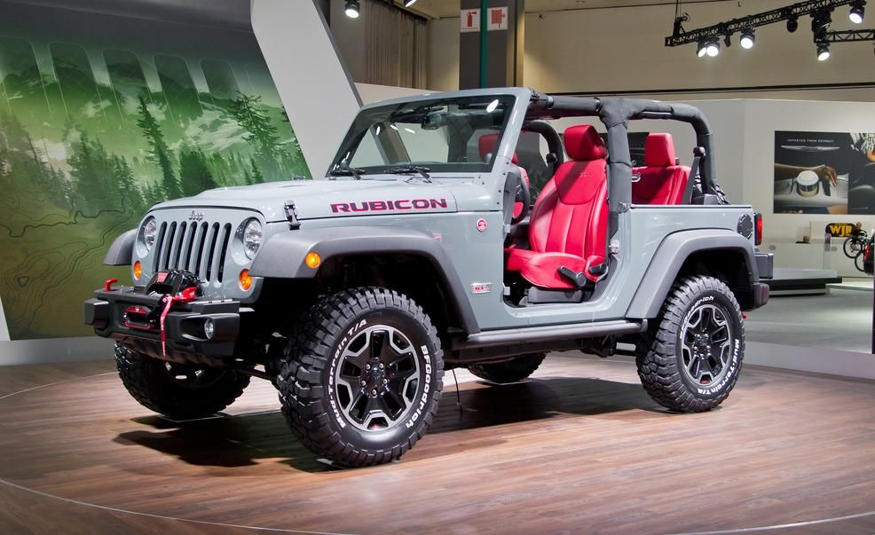 View 2017 Jeep Wrangler Rubicon 10th Anniversary Edition Ready When You Are Photos From Car And Driver Find High Resolution Images In Our