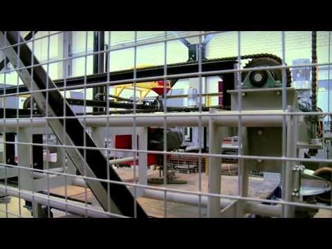 impresora gigante que puede hacer una casa en 20 horas - YouTube