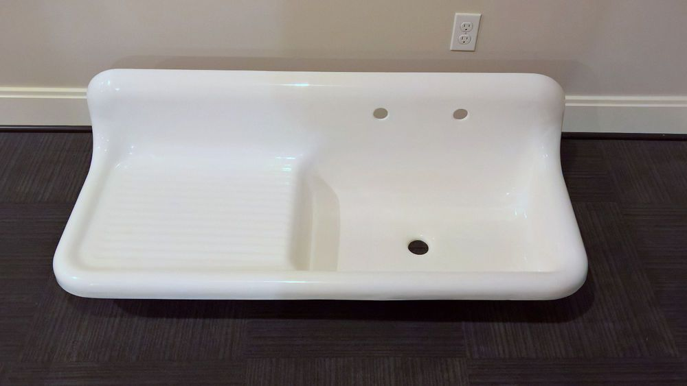 Designed As A Farmhouse Or Kitchen Sink The Sink Features A