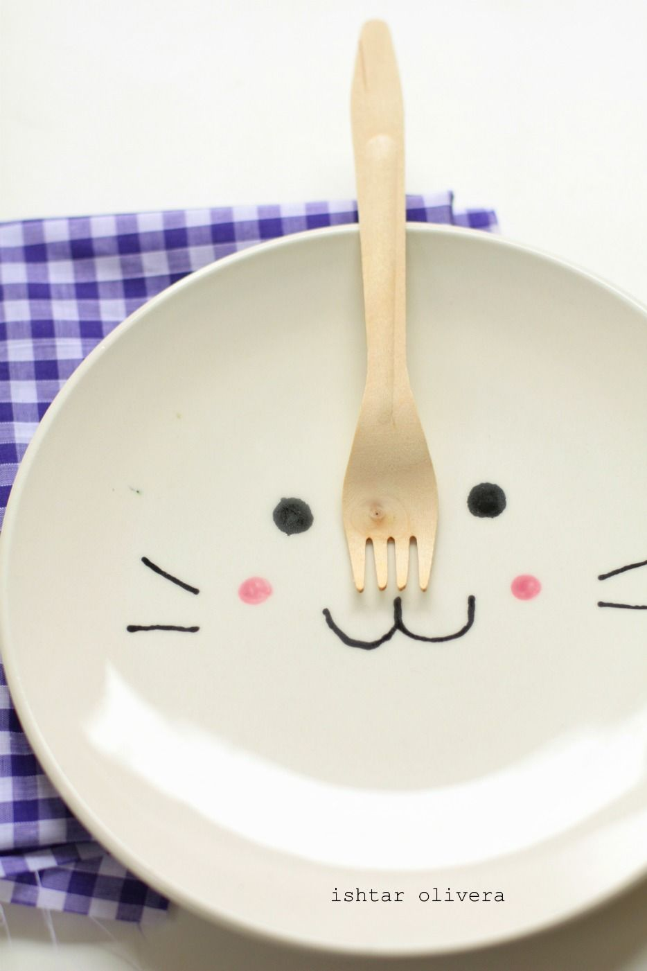 Bunny plate handpainted by Isthar Olivera